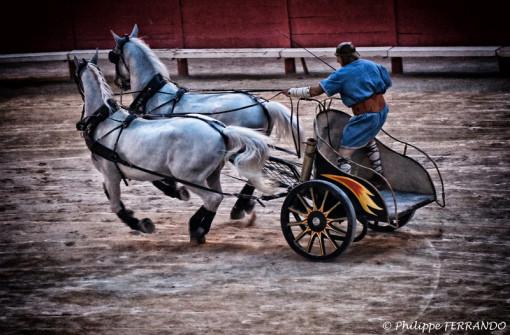 ARELATE 2012 - LEGIO VI VICTRIX LES ATELIERS AU MUSEE DE L ARLES ANTIQUE ET LE SPECTACLE AUX ARENES