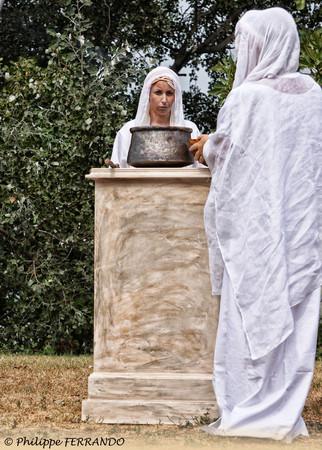 LEGIO VI VICTRIX MUSEE DE L'ARLES ANTIQUE SCENE RELIGIEUSE ROMAIN