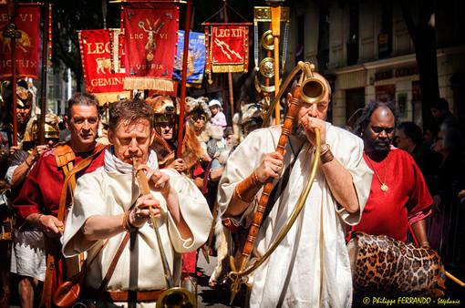 GRANDS JEUX ROMAINS NIMES 2013 - LE DEFILE