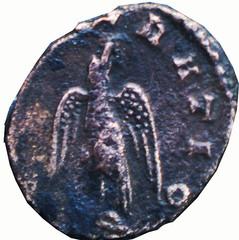 R/ Aigle debout à gauche. )CRATIO Antoninien, atelier irrégulier, 271, Ric 259, W18, C1.